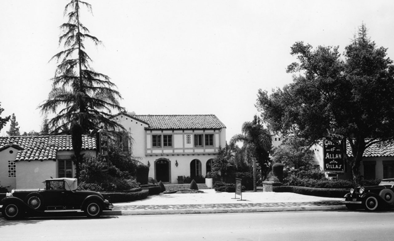 The front entrance of the hotel as seen from Sunset Boulevard looking south